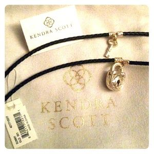 Brand new sunny Kendra Scott lock and key set
